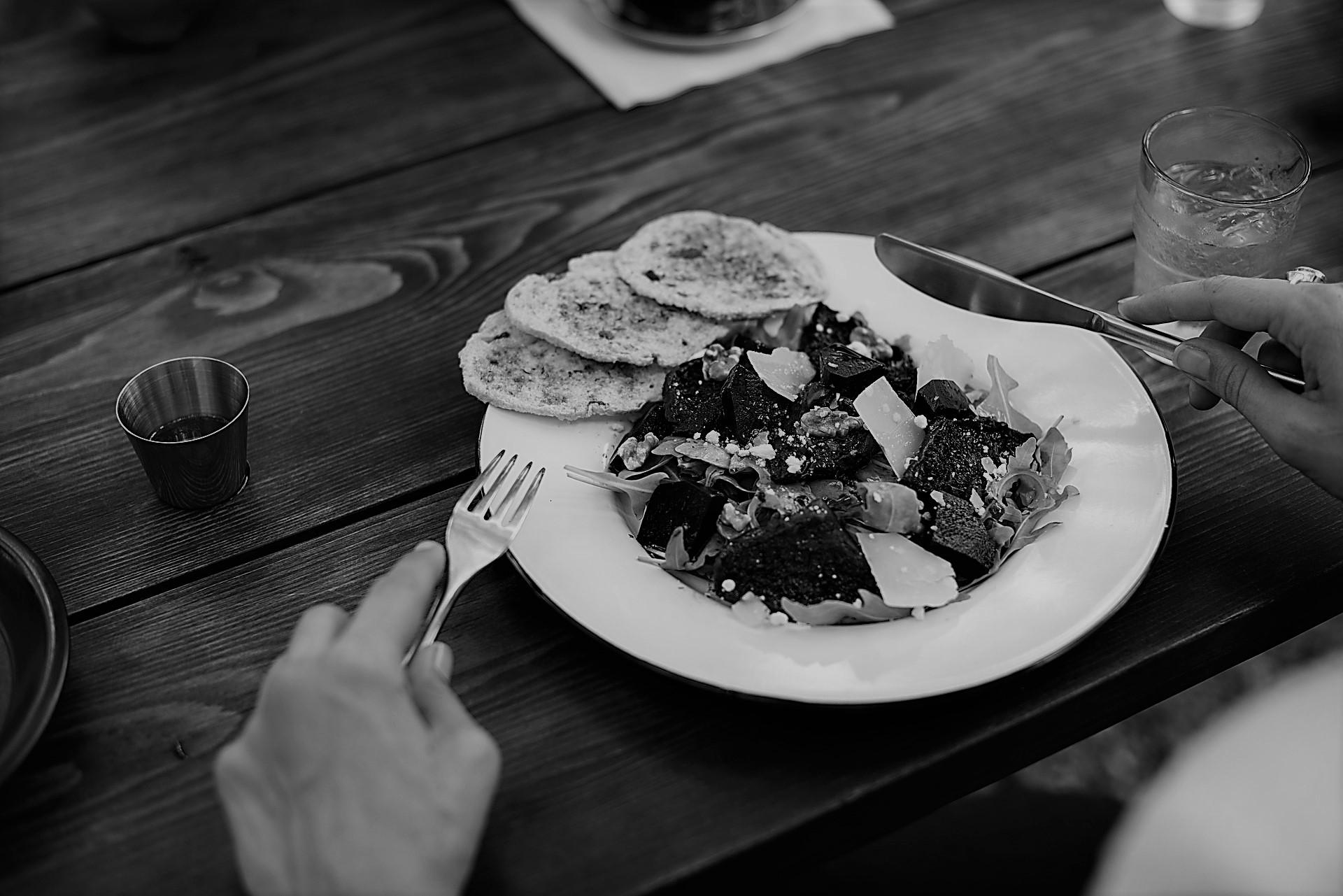 Aider un patient lors des repas... - Wepsee